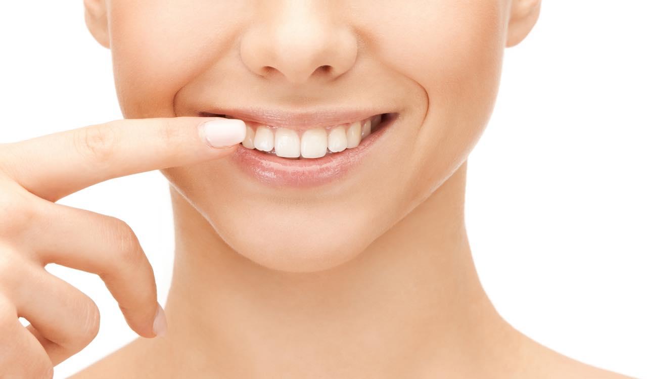 ディスキングとは?矯正で歯を削る必要性と症例
