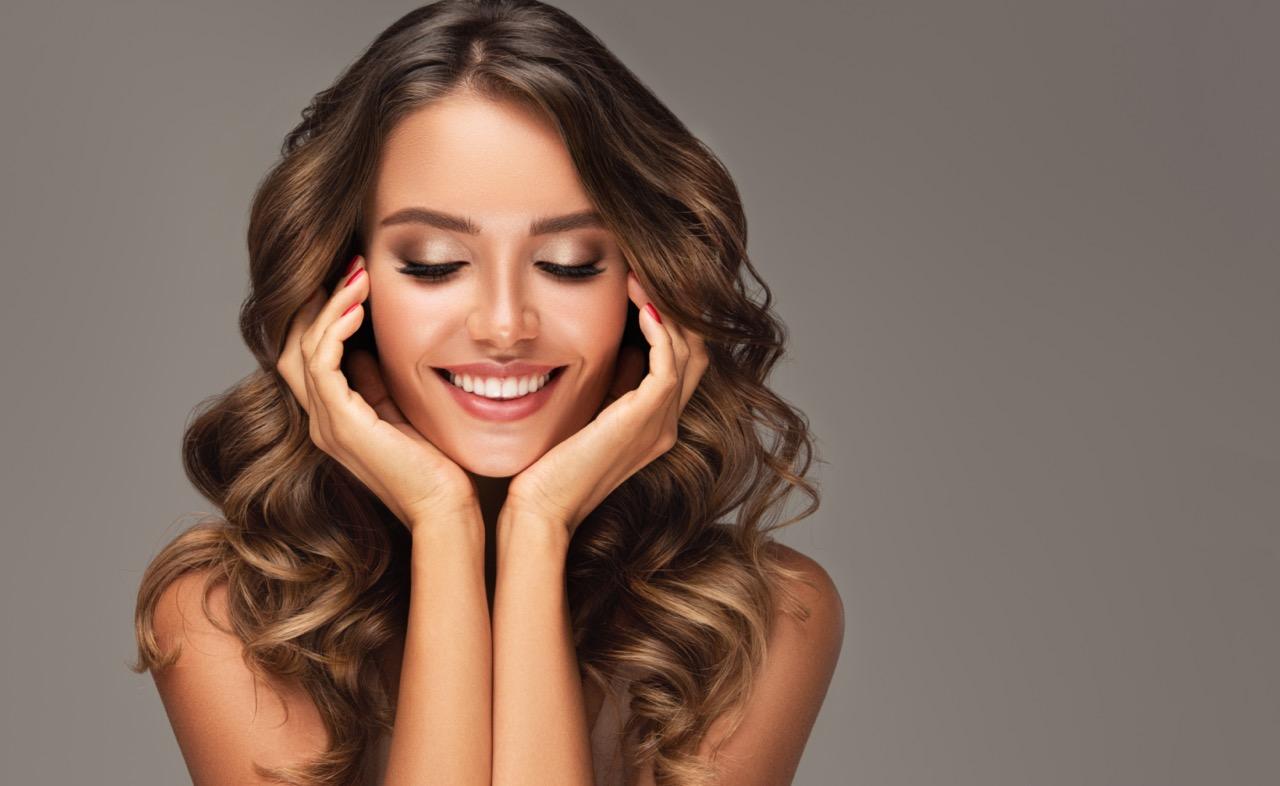 スマイルラインとは?矯正治療で芸能人のような理想の笑顔を作れるの?